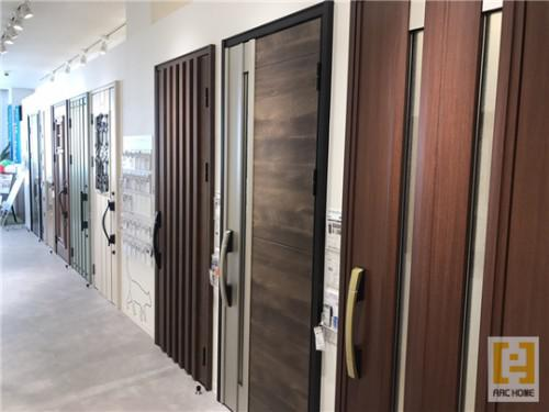 北海道の新築注文住宅の顔!多彩玄関ドア選びを楽しむ!