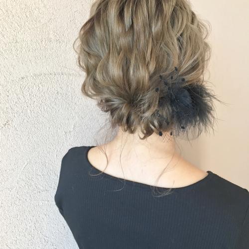 結婚式 お呼ばれヘア 髪型 シルソワ チュール フェザー