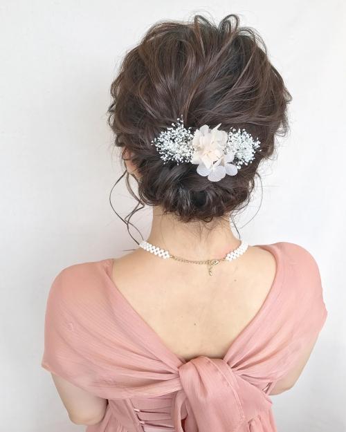 結婚式 お呼ばれヘア アップスタイル かすみ草
