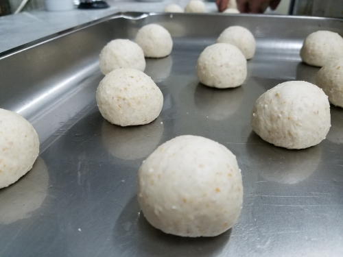 全粒粉のパン(根本)