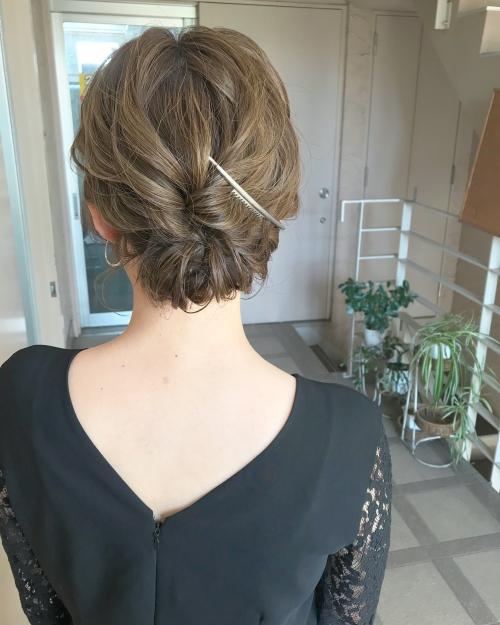 アップスタイル  スタイリッシュ シンプルヘアアレンジ 髪型