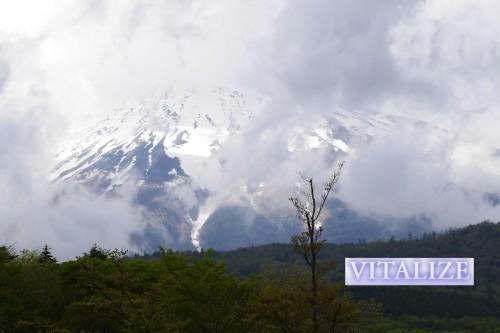 富士山にゴミを捨てない…持ち帰る!