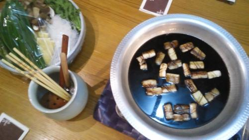 座敷席で宴会しましょう!色々な鍋。ご用意出来ます。