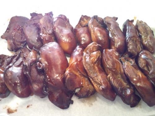 牡蠣の薫製今日から始まります