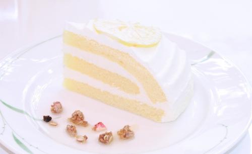先日より新しいケーキが加わりました!