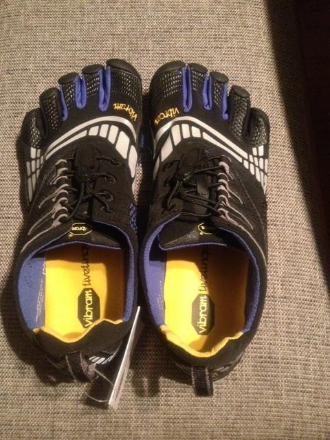 姿勢改善や外反母趾の軽減もできるかも!?5本指の靴!