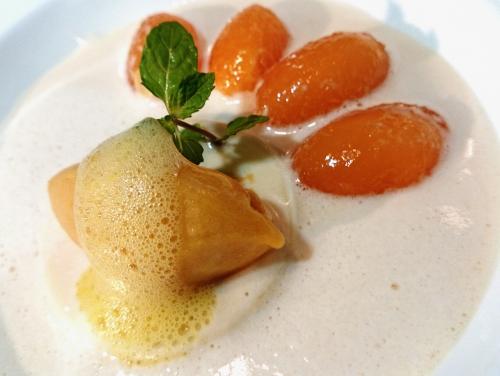 メロンとブランマンジェのスープ仕立て