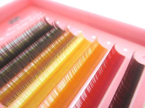 カラーエクステの色味の種類♡まつげにも色彩効果