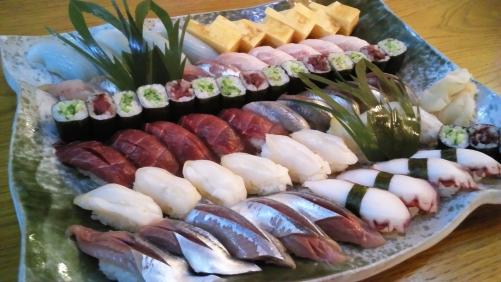 寿司。細巻き。日本酒のつまみ、いかが??