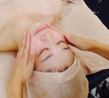 新メニュー追加☆高濃度酸素オイルでお顔の疲れもスッキリ!
