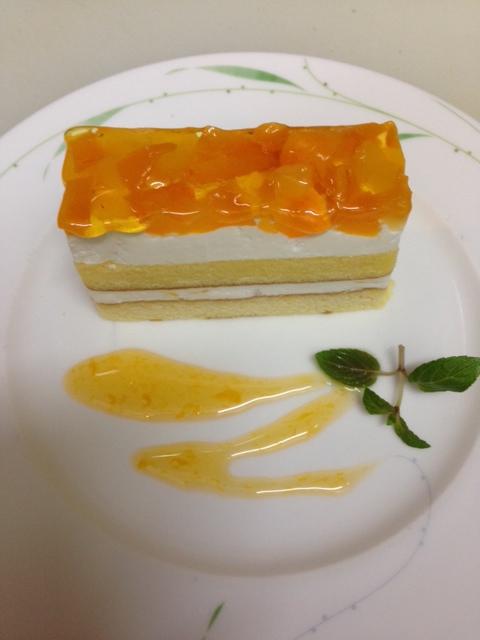 色鮮やかなケーキ