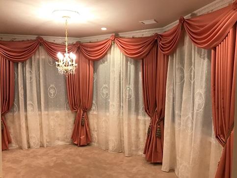 ベッドルームカーテン