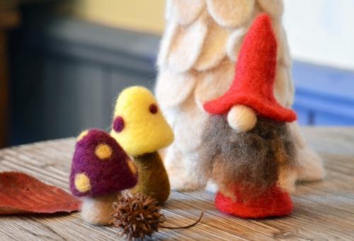 北欧の森の妖精『トムテ』を羊毛フェルトで作りませんか?