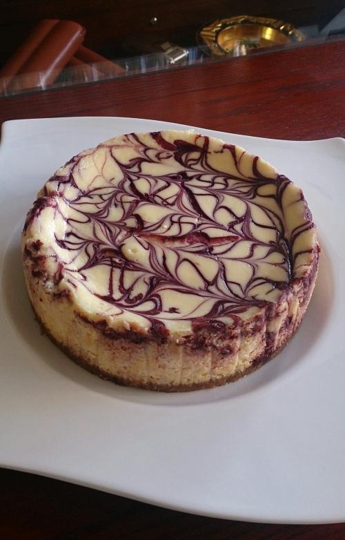 赤ワイン&ポルト酒を贅沢に使った大人のチーズケーキ