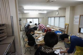 陶芸体験に20名の団体さんが見えました。毎年恒例です。