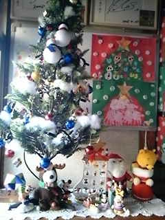 幼稚園は冬休みに入りましたクリスマスも託児所は賑やかです