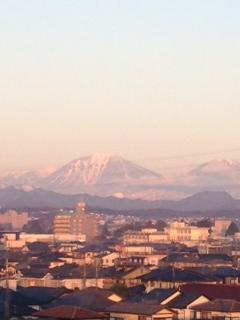 今朝は、ちょっぴり赤男体山
