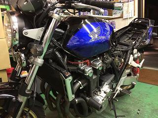 バイクタンク へこみ修理! CB1300 松戸市