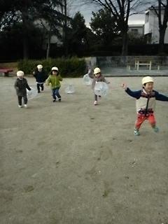 走れ、走れ、タコタコあがれ〜! !今日もお外で、パワー全開!