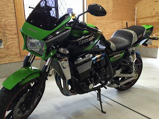 バイクタンクのヘコミ! カワサキ ZRX