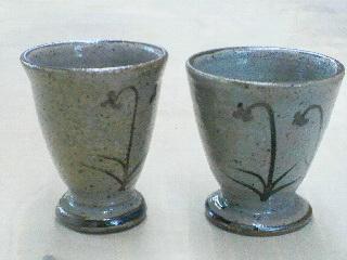 唐津粘土で作られたカップ。還元焼成で焼きました。