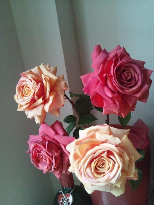 アーティフィシャルの大輪薔薇
