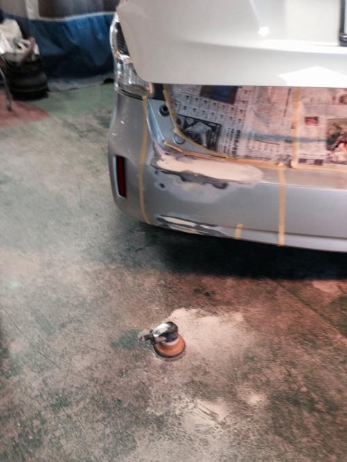プリウスα 続き、名古屋 自動車板金修理します