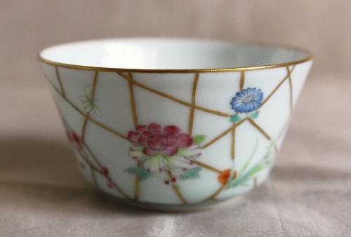 清朝時代の雰囲気をみごとに写した普洱馬蹄杯