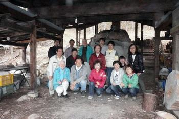春の登り窯焼成に行ってきました。参加者15名でした。