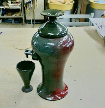 焼酎サーバーはKさんの自作、登り窯で焼きました。
