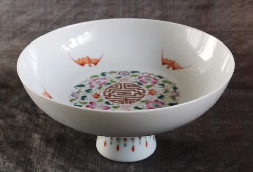 テーブルを華やかに彩る五福のコンポート皿