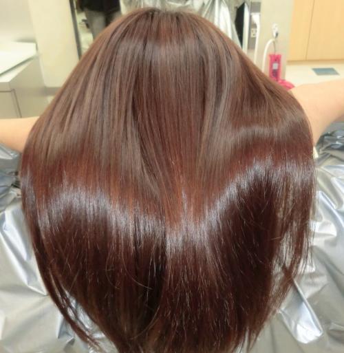 くせ毛、うねり、パサつき…輝くストレートヘアに!