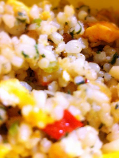 愛いっぱい♪彩り玄米炒飯