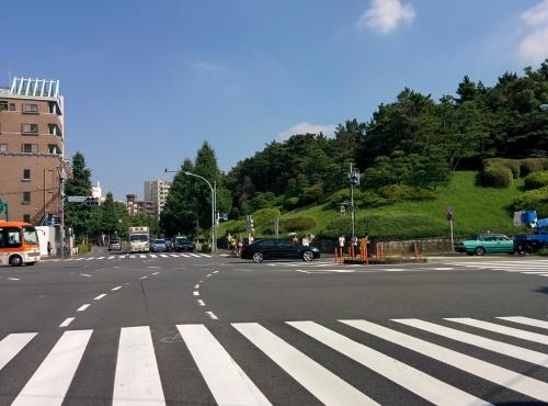 渋谷区神山町に早朝宅配