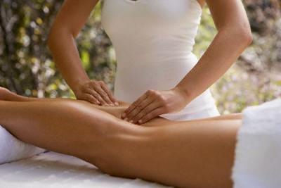 腰の痛みと足のむくみ