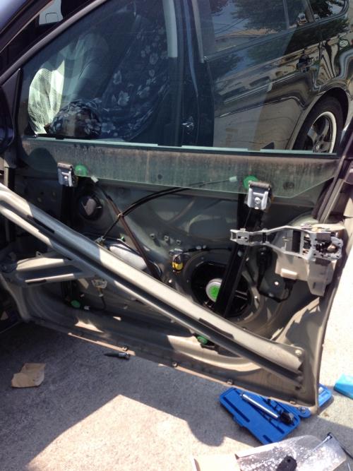 VWゴルフワゴン ドアロックモーター交換