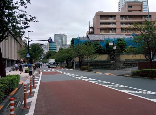 千代田区紀尾井町に早朝デリバリー