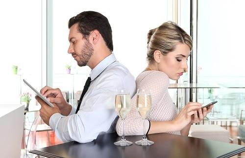 LINE離婚の危機も!? 夫婦関係が悲劇的に悪化する使い方