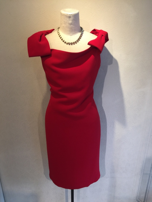 SASSIAの赤のドレス