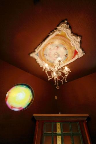 シャンデリアと天井画2
