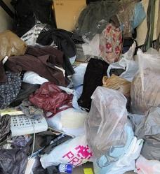 埼玉県上里町便利屋、不用品お片付けゴミ回収作業。