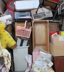 熊谷市便利屋、団地の2階のお部屋より不用品回収です。