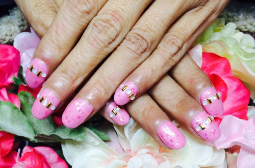 ピンクのワンカラーネイル☆ビジュー