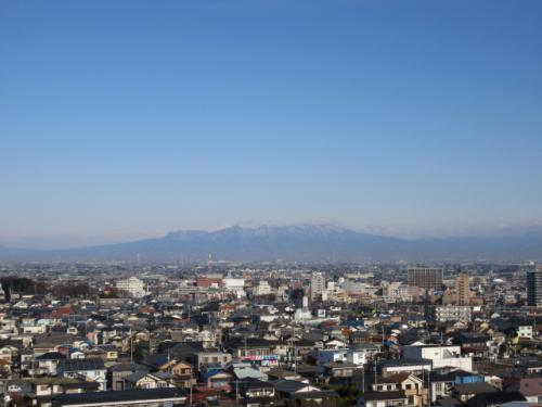 高層マンションから見える赤城山。