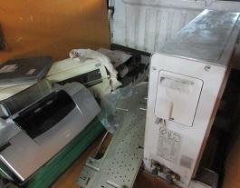 群馬県太田市のお引越しゴミ、エアコン取外し回収です。