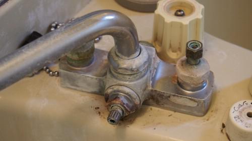 浴室の蛇口(カラン)水あかクリーニング ビフォアアフター