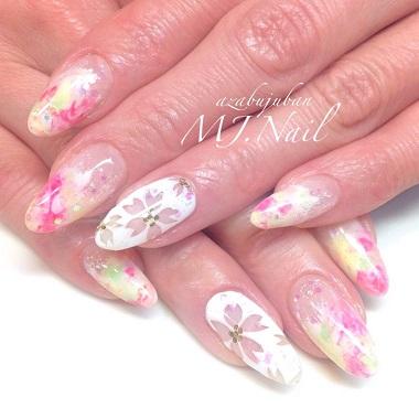 春ネイル 桜 ピンクベージュ