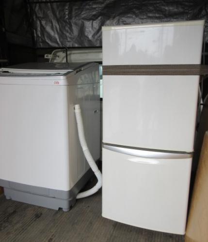 電化製品、家電リサイクル品、冷蔵庫と洗濯機の廃棄、深谷市。