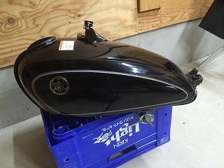ヤマハ SR500 のバイクタンクリペア!!