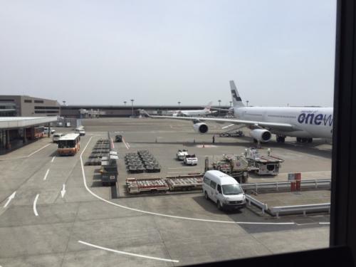 パリへ向かいます。フラワー研修旅行